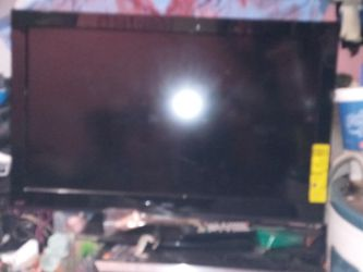 32 Inch Flat Screen. (NEED GONE ASAP) for Sale in Tampa,  FL