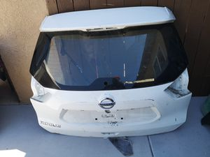 Nissan rpgue 2014 2015 206 2017 2018 tailgate for Sale in Lawndale, CA