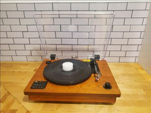 Record Player / Tocadiscos for Sale in Santa Ana, CA