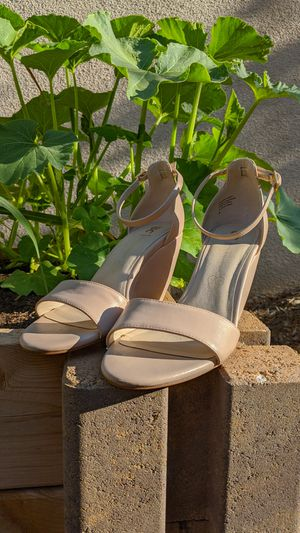 "Size 8 ""BC"" Beige Wedges for Sale in Corona, CA"