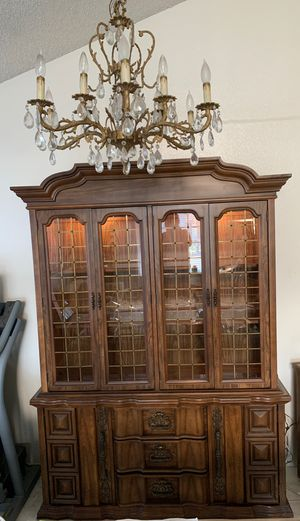Antique China cabinet for Sale in Artesia, CA