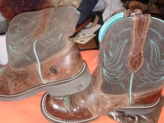 Womans Ariat Boots for Sale in Granite City,  IL