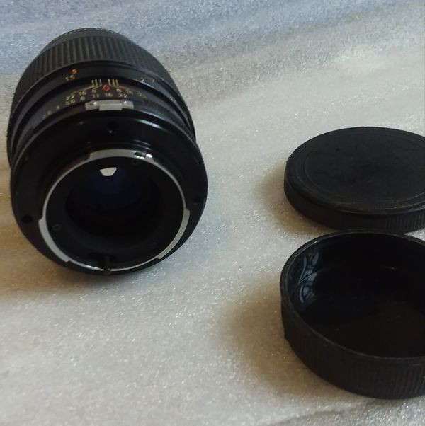 CAMBRON f/2.8 135mm SLR DSLR Mirrorless Camera Lens With filter Vivitar