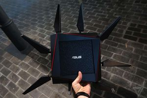ASUS WiFi Router model AC-5300 (Latest Firmware) for Sale in Miami, FL