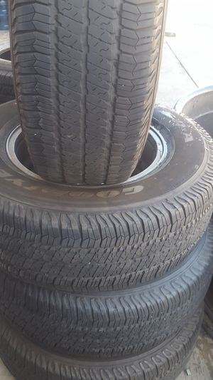 Jeep 5 lug 17 inch wheels with tires for Sale in Elk Grove, CA