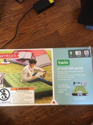 Embark twin size air mattress for Sale in New York, NY
