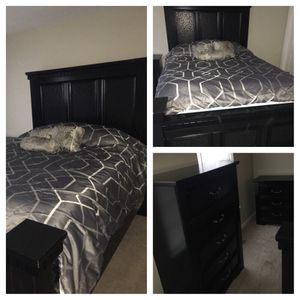 Queen size bedroom set for Sale in Columbus, OH
