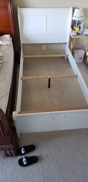 Twin size bed frame-good conidition for Sale in San Leandro, CA