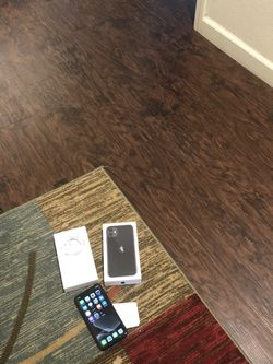 iPhone 11 64GB 🤤 (ATTENTION 4 Months Old!!) 🤭🕵️♀️ Pick Up Only $475 No Less 🥱 for Sale in Sanger,  CA