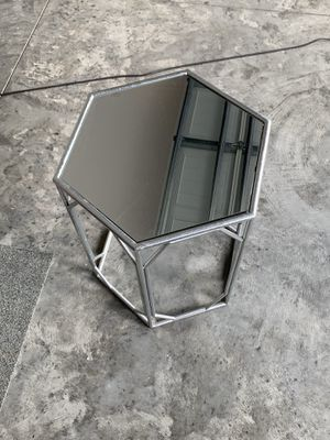 Mirror table stand for Sale in Wesley Chapel, FL