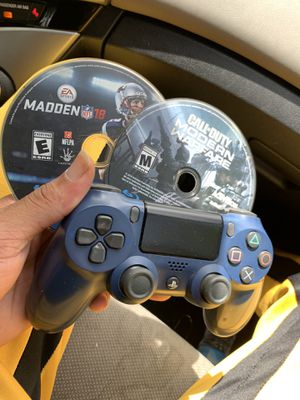 ps4 controller / games MW/madden for Sale in Pitcairn, PA