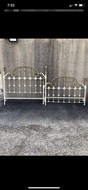 Queen Size Bed Frame for Sale in San Antonio, TX