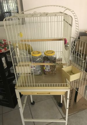 Bird cage with cacatúa food for Sale in Avon Park, FL
