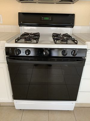 Stove for Sale in Paradise, NV
