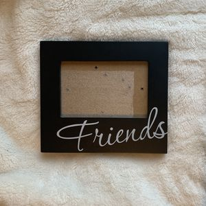"""4x6"""" Black picture frame for Sale in Northfield, OH"""