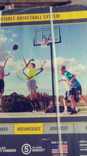 Portable Basketball hoop for Sale in Boonsboro, MD