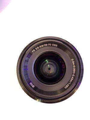Sony FE 3.5-5.6/28-70 lens for Sale in Miami, FL