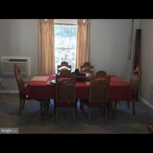 Antique Table and Chairs (Seats 6) for Sale in Bowie, MD