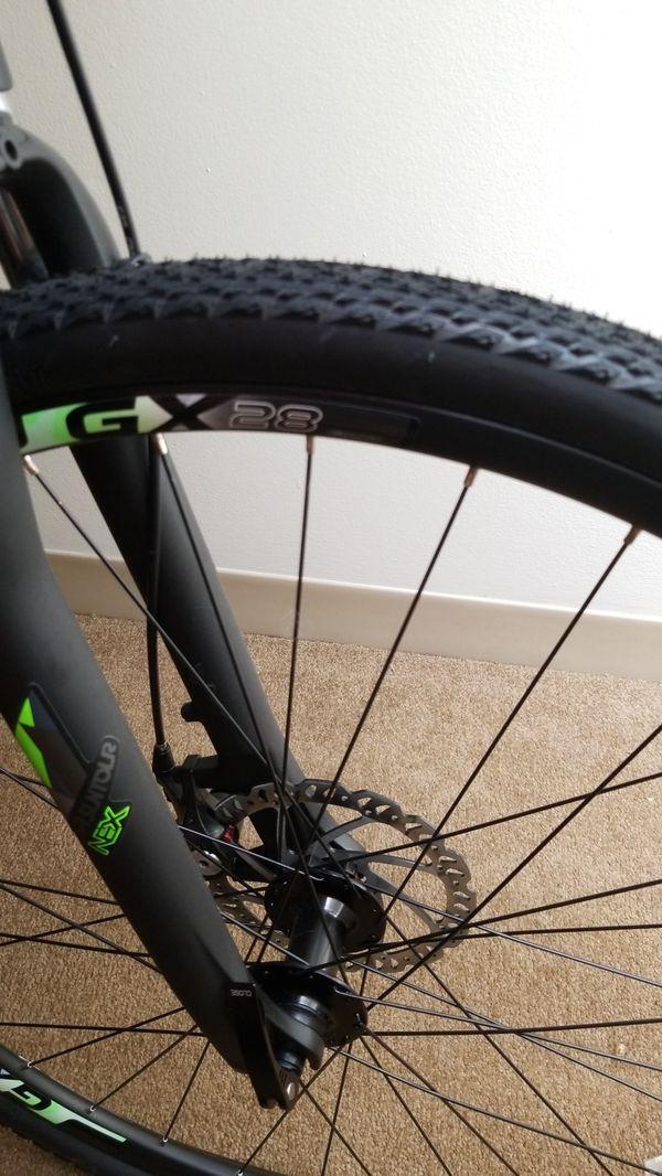 Giant Medium Adult Hybrid Bicycle