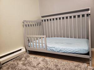 Toddler bed/ crib for Sale in Renton, WA