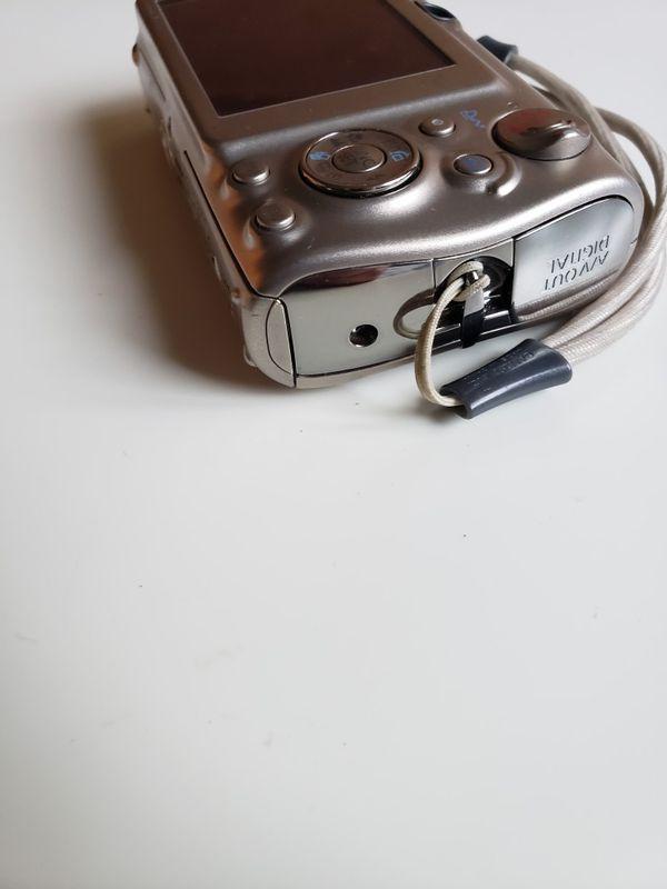 CANON POWERSHOT SD950 IS SD950IS ELPH CAMERA TITANIUM SILVER.