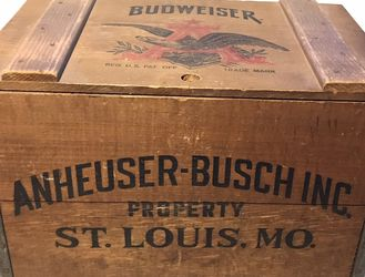 Vintage Budweiser Wood Beer Crate for Sale in Lakewood,  OH