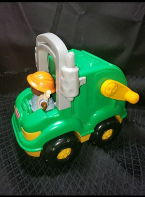 F.P little people garbage recycle truck. for Sale in Zanesville, OH