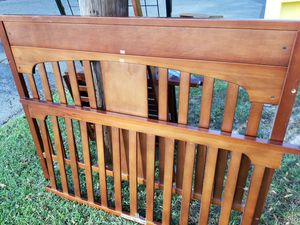 Convertible crib for Sale in Norfolk, VA