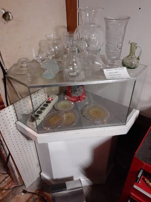 Corner display case for Sale in Seattle, WA
