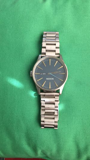 Nixon - Never Be Late - The Sentry SS for Sale in Visalia, CA