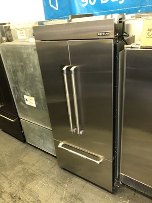 Jenn air built In 36 wide 2019 French door fridge for Sale in Fountain Valley, CA
