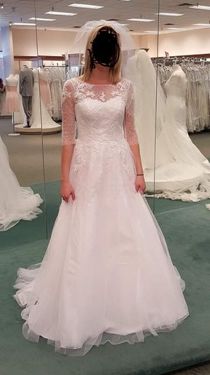 Wedding dress/Never used for Sale in Jarrell, TX