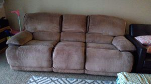 Recliner couch for Sale in Rolling Meadows, IL