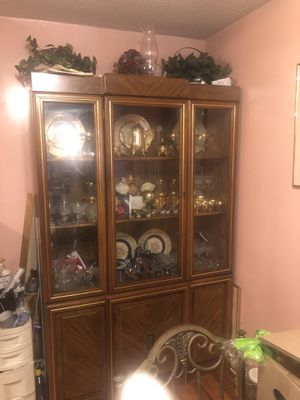 Dinning room cabinet for Sale in New Haven, CT