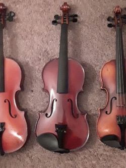 3 VIOLINS 3/4 Size And 1/2 Sizes for Sale in Long Beach, CA