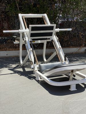 Gym Equipment Leg Press Exercise Machine for Sale in Pasadena, CA