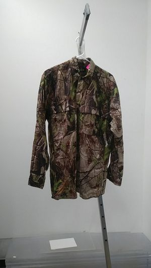 RedHead Camo Button up Shirt $8 Sz M at Zera Outlet 5303 E Colonial Dr suite g, Orlando, FL 32807 for Sale in Orlando, FL