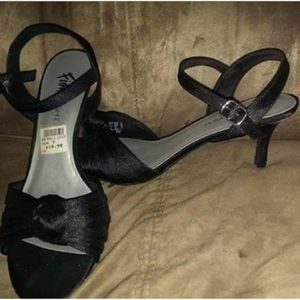 Black Heels-NWT! for Sale in Rochester, MN