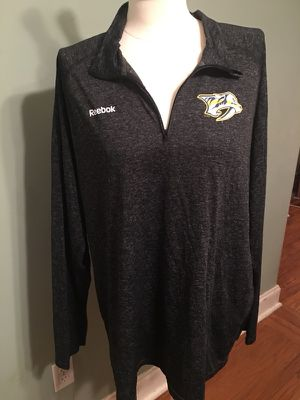 Predators long sleeve pullover size 2XL for Sale in Nashville, TN