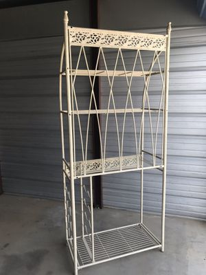 Bakers Rack for Sale in Beaumont, CA
