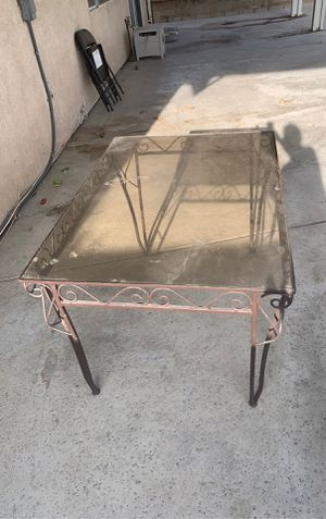 Free Patio Table for Sale in Fontana, CA