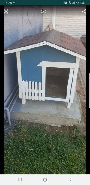 Sm dog house for Sale in Fontana, CA