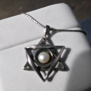 Necklace silver 925 with pearl real for Sale in Bellflower, CA