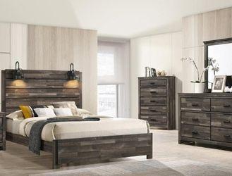 ••Bedroom Clearance ••🌟🌟BEDROOM SET: QUEEN BED + NIGHTSTAND+ DRESSER+ MIRROR (**Mattress and Chest not included**)🌟🌟 for Sale in Norwalk,  CA