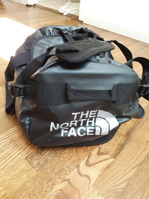 Large Northface Duffle Bag (50 litters) for Sale in Everett, WA