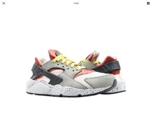Nike Air Huarache Run spruce fog black dark citron Men's size 11 for Sale in Olympia, WA