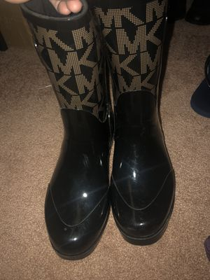 Rain boots size 7 for Sale in Melrose Park, IL
