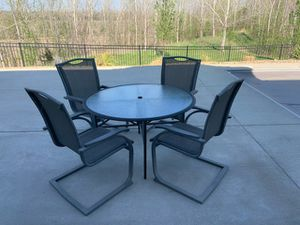 Patio set for Sale in Shawnee, KS