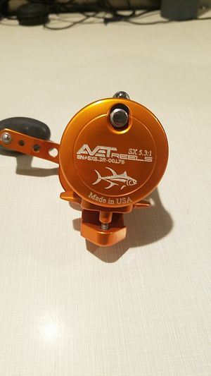 Avet 5.3:1 Conventional reel (Casting fishing reel) for Sale in Chino Hills, CA