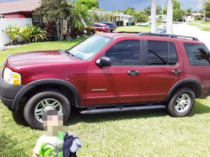 Ford Explorer 2002 6cilindros for Sale in Miami, FL